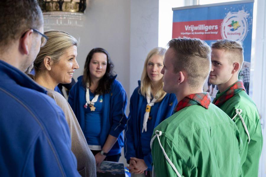La reine Maxima des Pays-Bas avec des scouts au palais Noordeinde à Amsterdam, le 6 décembre 2016