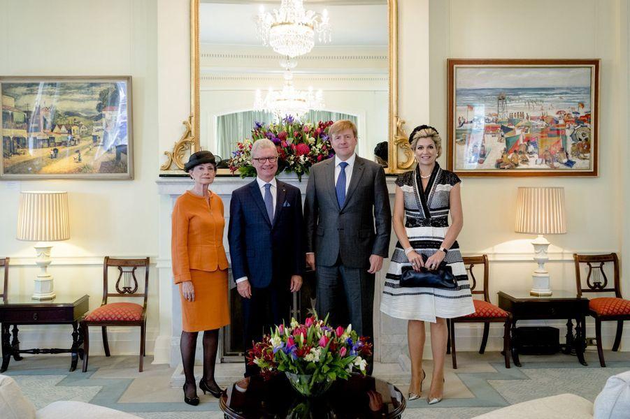 La reine Maxima et le roi Willem-Alexander des Pays-Bas avec le gouverneur du Queensland et sa femme à Brisbane, le 4 novembre 2016