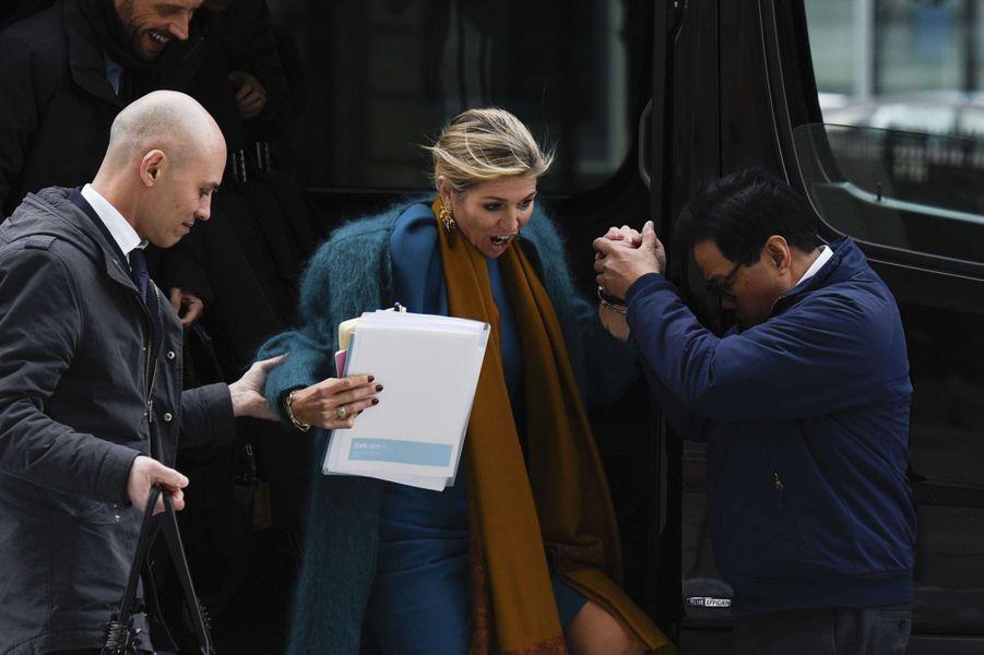 La reine Maxima des Pays-Bas à la descente de sa voiture à Washington, le 15 mars 2017