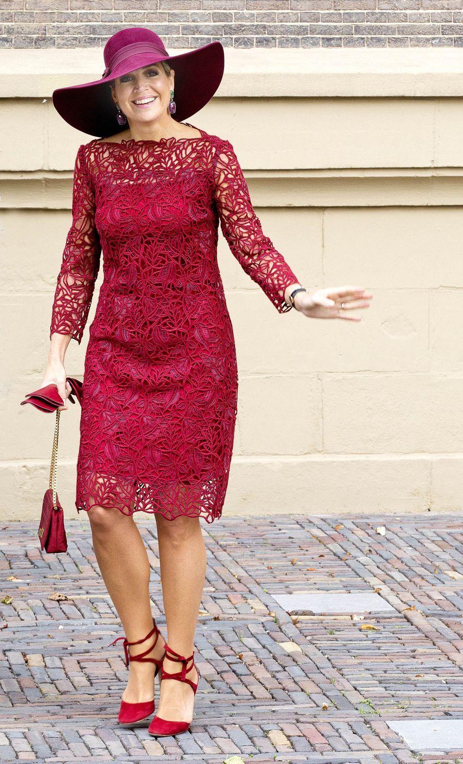 La reine Maxima des Pays-Bas dans une robe Natan à La Haye, le 4 octobre 2017