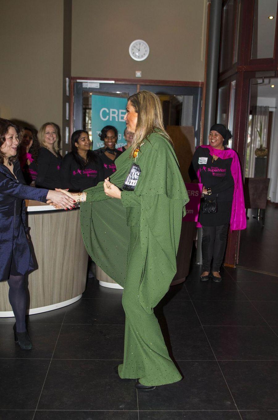 La reine Maxima des Pays-Bas avec des femmes à Amsterdam, le 8 mars 2017