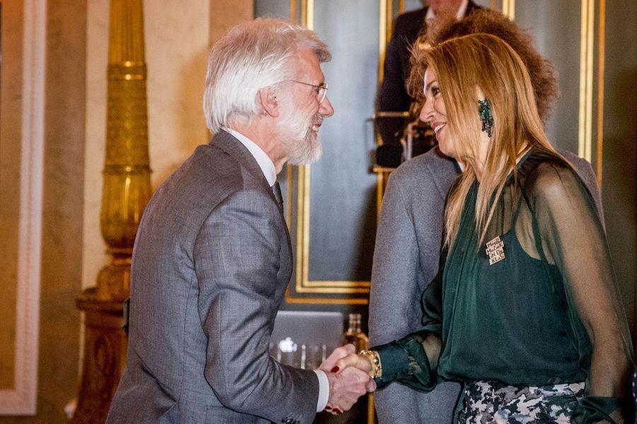 La reine Maxima des Pays-Bas avec le Pr Erik Scherder à La Haye, le 22 mars 2017