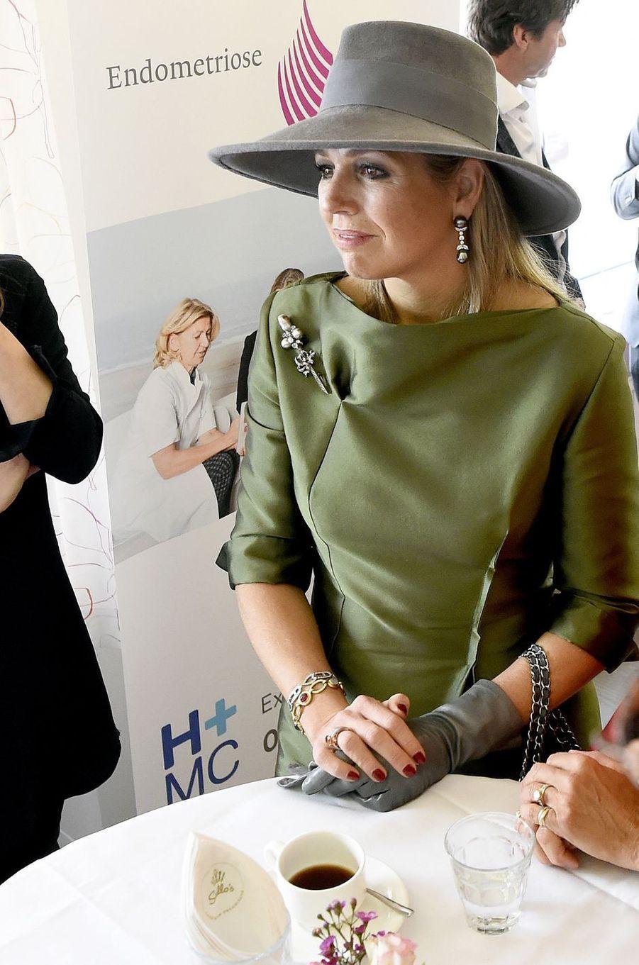 La reine Maxima des Pays-Bas en vert et gris à La Haye, le 15 mars 2018