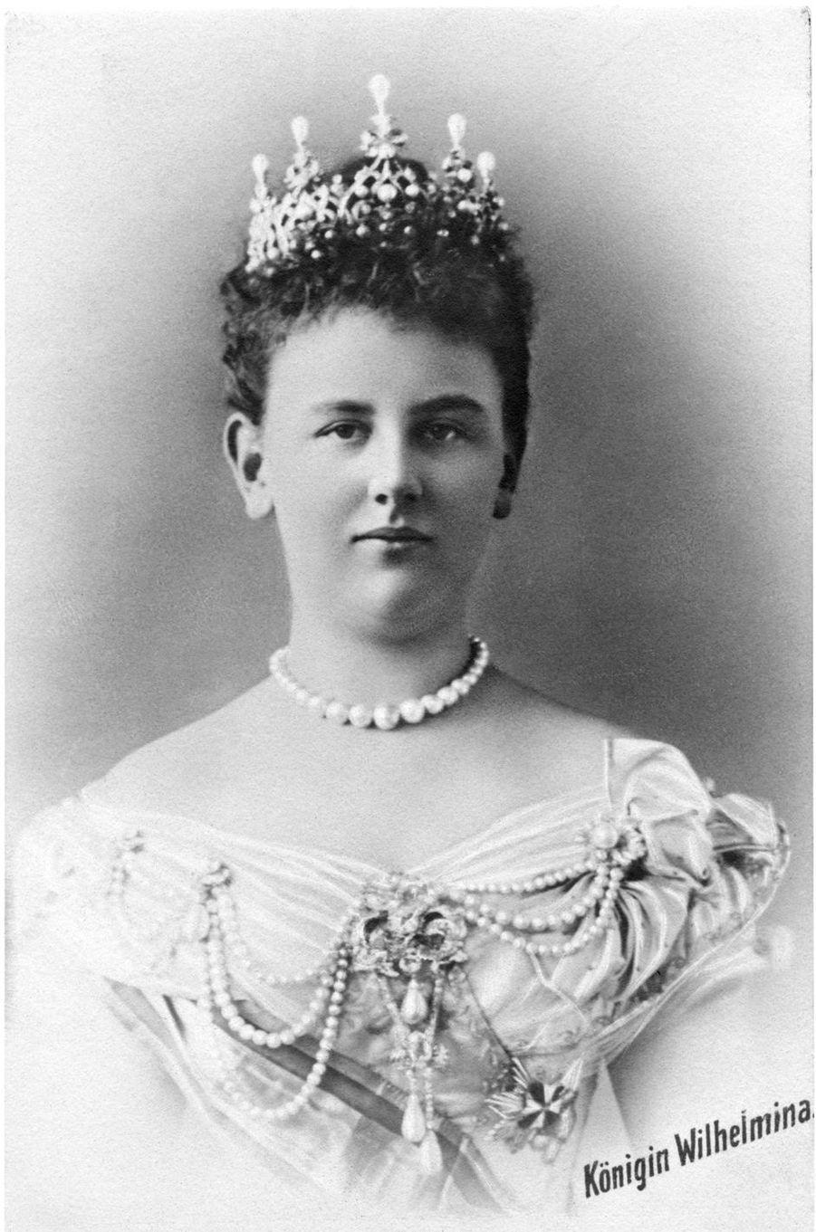 La reine Wilhelmine des Pays-Bas vers 1900