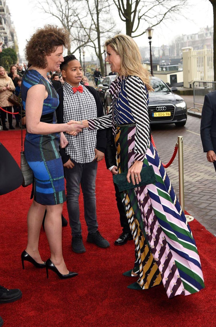 La reine Maxima des Pays-Bas arrive au Theater Carré à Amsterdam, le 9 décembre 2016