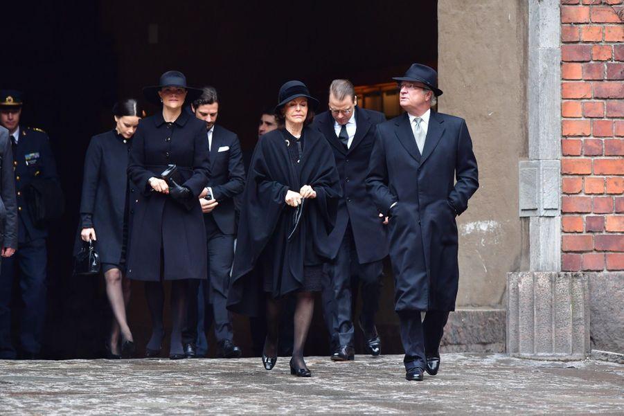 La Famille Royale De Suède Rend Hommage Aux Victimes De L'attentat De Stockholm 8