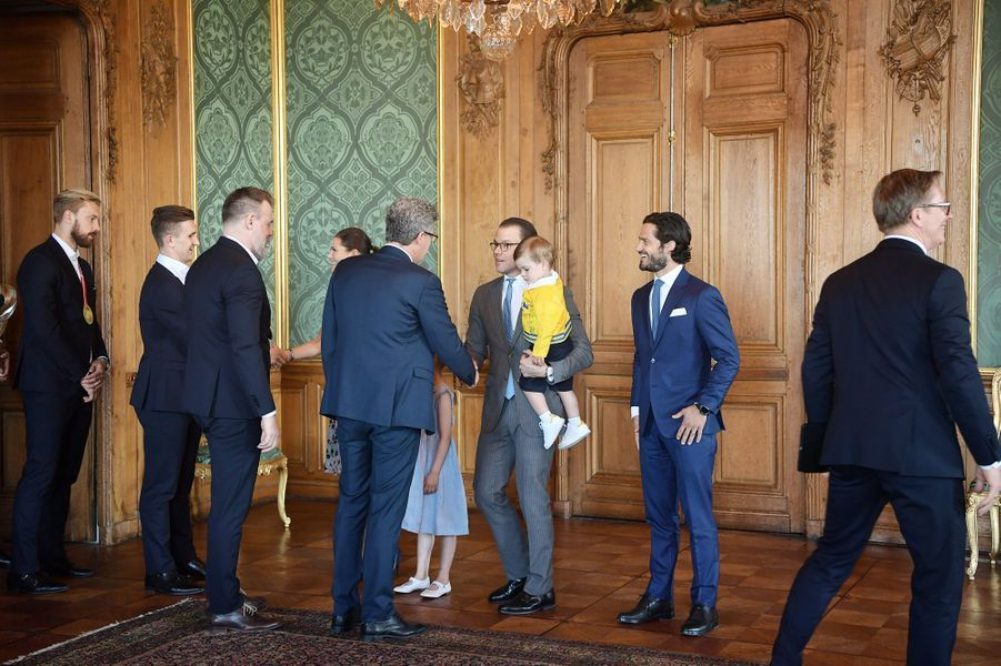 Les princesses Victoria et Estelle et les princes Daniel, Carl Philip et Oscar de Suède au Palais royal à Stockholm, le 21 mai 2018
