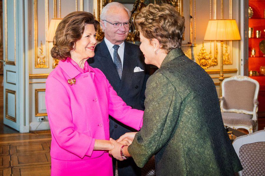 La reine Silvia et le roi Carl XVI Gustaf de Suède avec le présidente brésilienne à Stockholm, le 18 octobre 2015