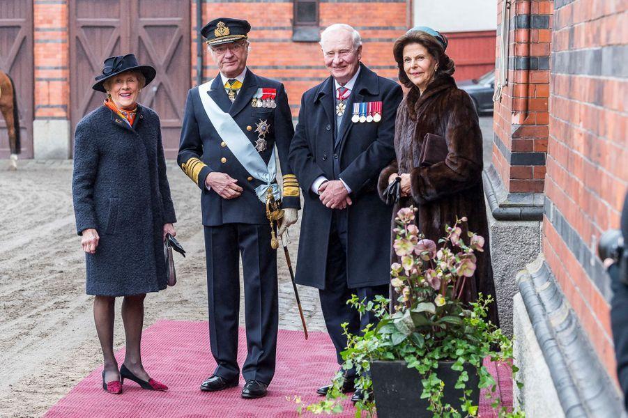 La reine Silvia et le roi Carl XVI Gustaf de Suède avec David et Sharon Johnston à Stockholm, le 20 février 2017