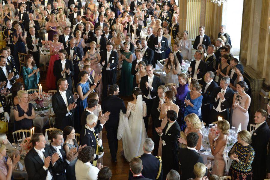 La princesse Sofia et le prince Carl Philip arrivent au dîner de leur mariage, le 13 juin 2015