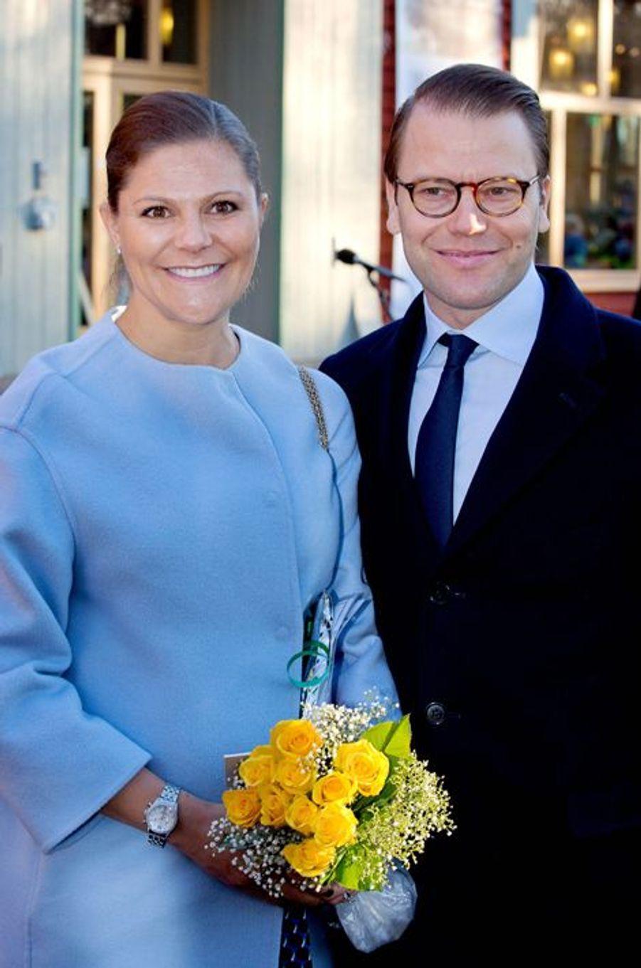 La princesse Victoria de Suède et le prince Daniel à Karlstad, le 18 novembre 2015