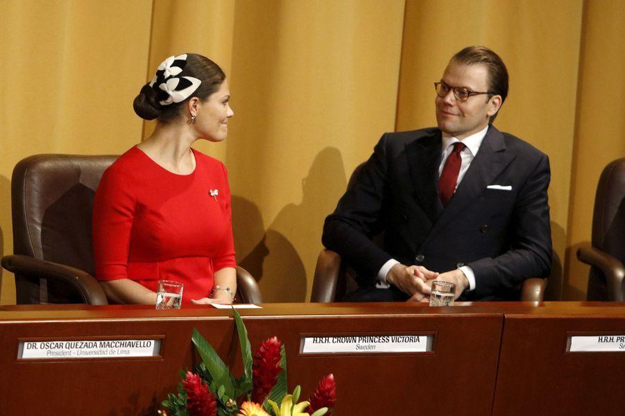 La princesse Victoria de Suède et le prince Daniel à Lima, le 19 octobre 2015