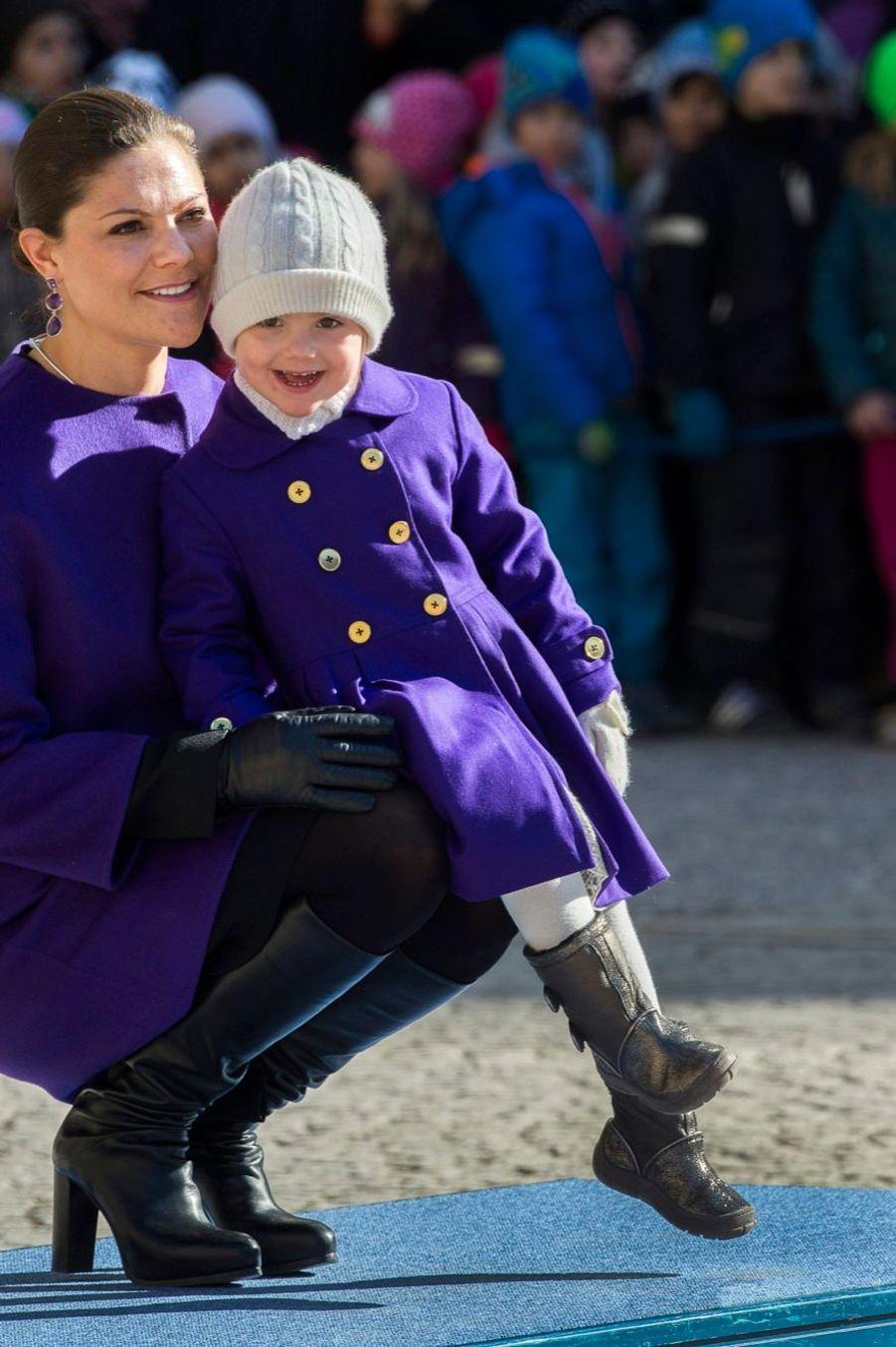 Les princesses Victoria et Estelle, mère et fille réunies le 12 mars 2015