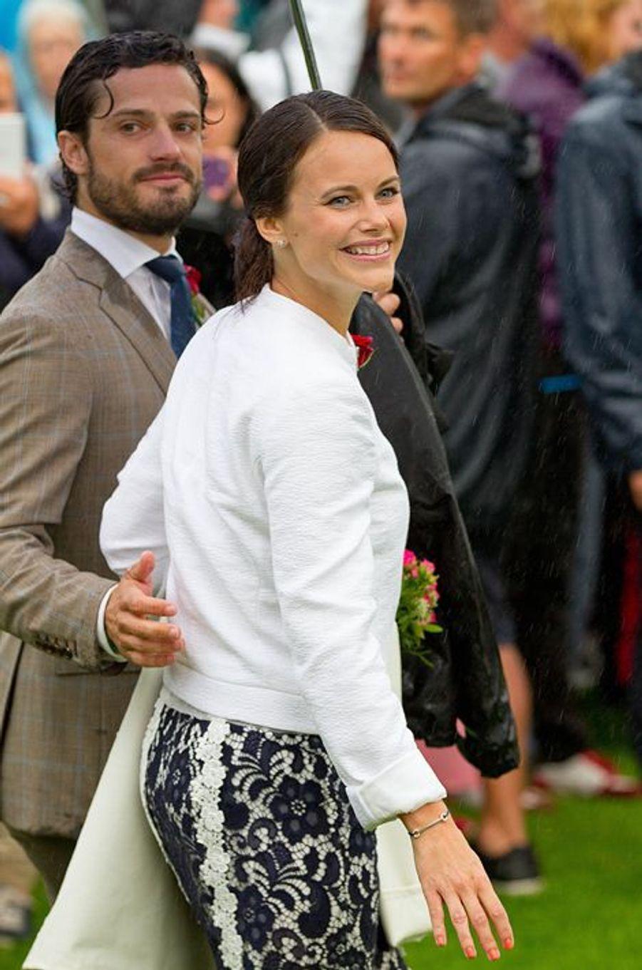 Sofia Hellqvist et le prince Carl Philip de Suède, le 14 juillet 2014