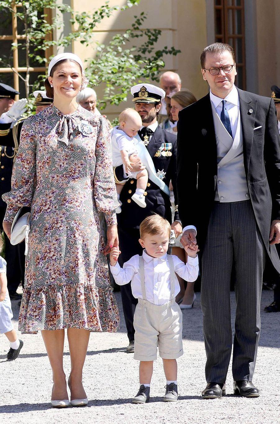 La princesse Victoria de Suède dans une robe byTiMo, le 8 juin 2018
