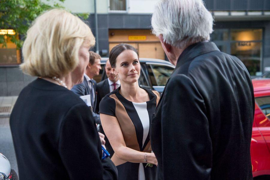 La princesse Sofia de Suède à son arrivée au musée des Arts Sven-Harrys à Stockholm, le 27 septembre 2016