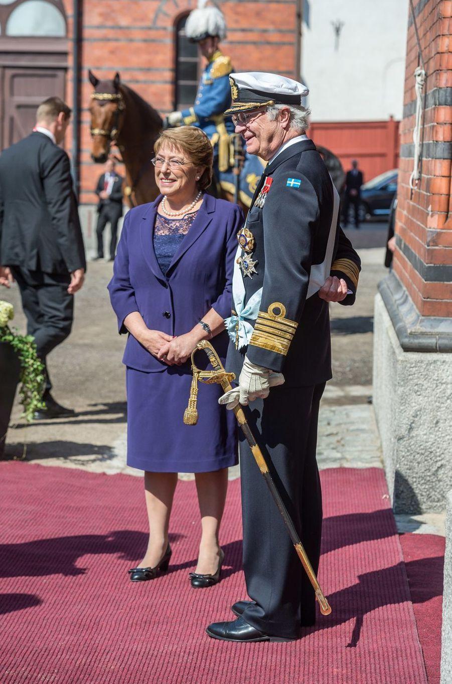 Le roi Carl XVI Gustaf de Suède et Michelle Bachelet à Stockholm, le 10 mai 2016