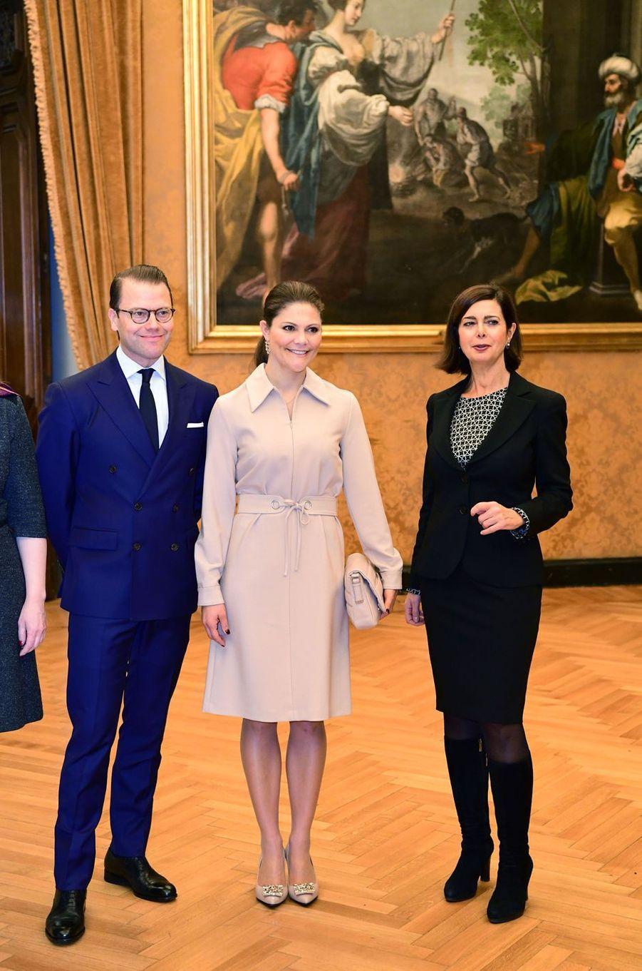 La princesse Victoria de Suède et le prince consort Daniel avec Laura Boldrini, la présidente de la Chambre des députés italienne, à Rome le 15 décembre 2016