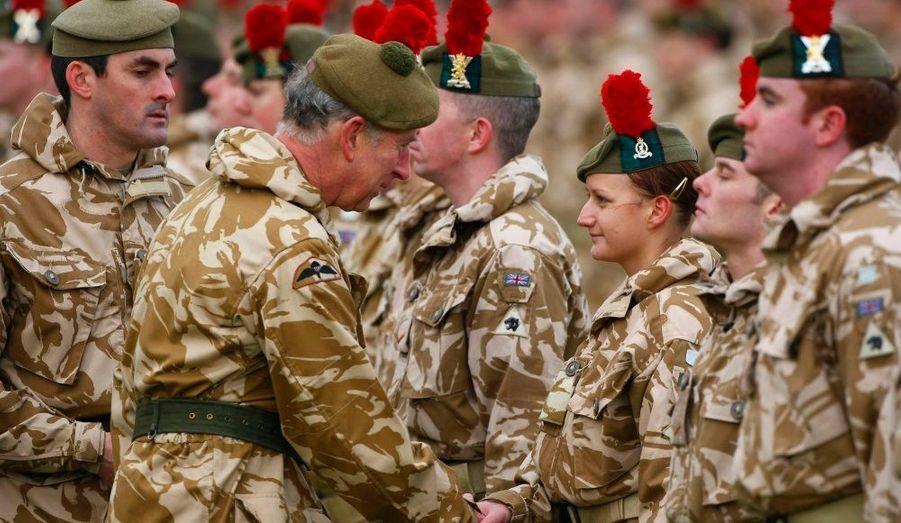 Le Prince Charles a assisté à une cérémonie de remise de médailles à Inverness, en Ecosse.