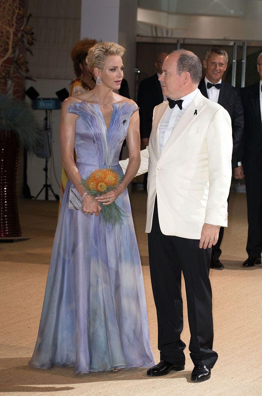 Charlène et Albert de Monaco, au 68e gala de la Croix-Rouge à Monaco, le 23 juillet 2016.