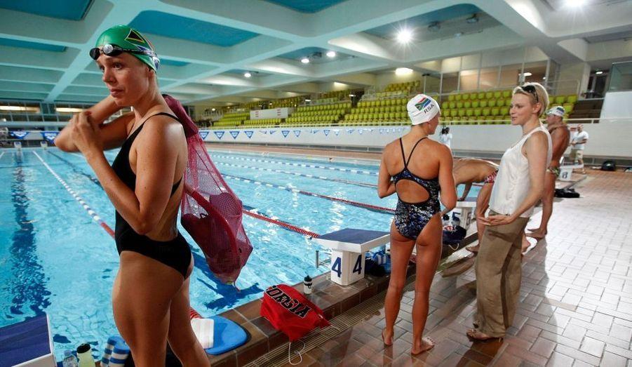 Discussion avec une nageuse