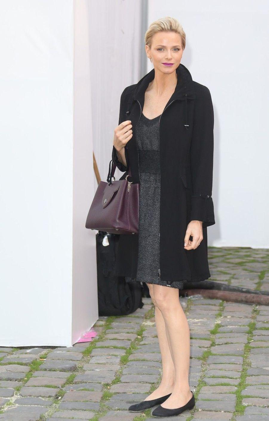 Charlène, ravissante parisienne à la fashion week