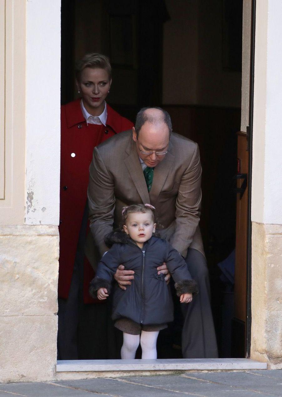 Charlène De Monaco, Le Prince Albert Et Leurs Jumeaux Gabriella Et Jacques À L'arbre De Noël Du Palais 32