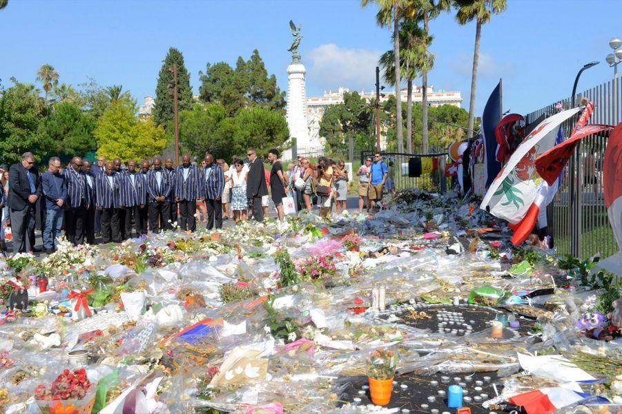 Le père de Charlène de Monaco rend hommage aux victimes de Nice