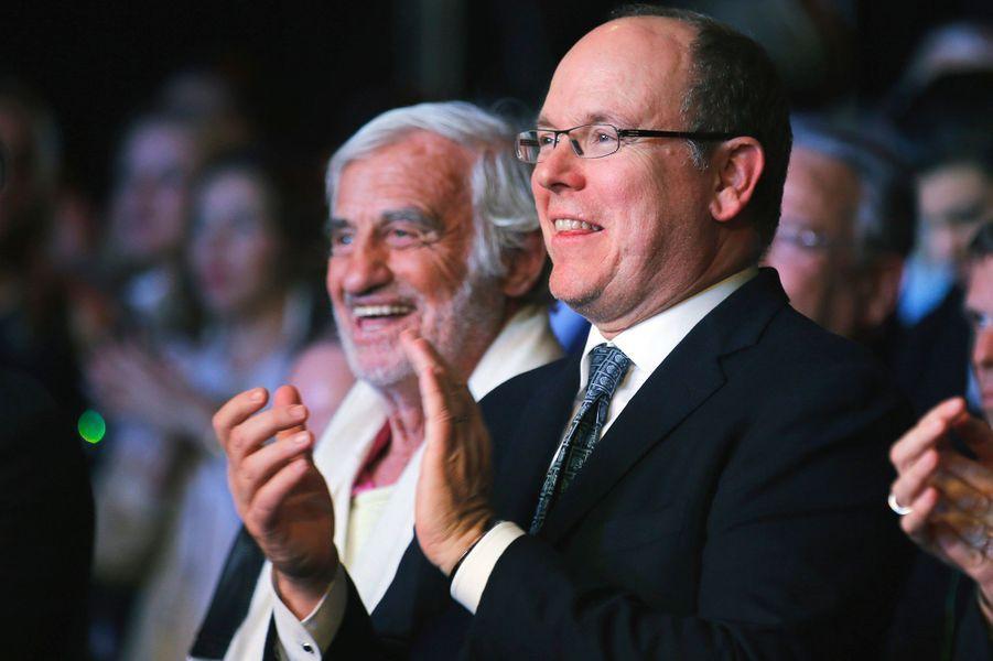Le prince Albert II de Monaco avec Jean-Paul Belmondo à Monaco, dans la nuit du 21 au 22 février 2015