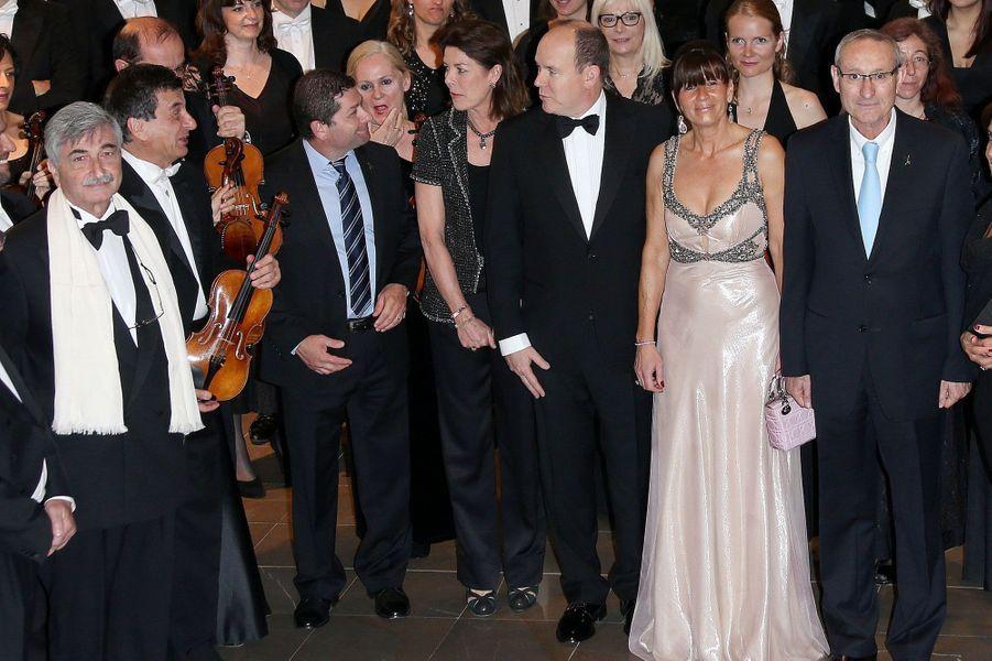"""Les """"violons de l'Espoir"""" enchantent Albert et Caroline"""
