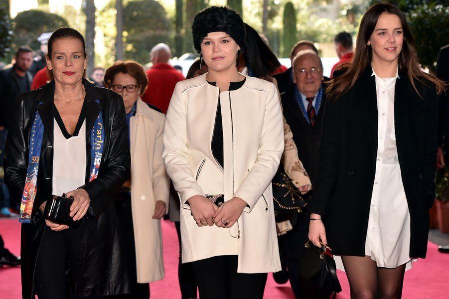 Stéphanie de Monaco avec Pauline et Camille au 39ème Festival international du cirque de Monte-Carlo, le 18 janvier 2015