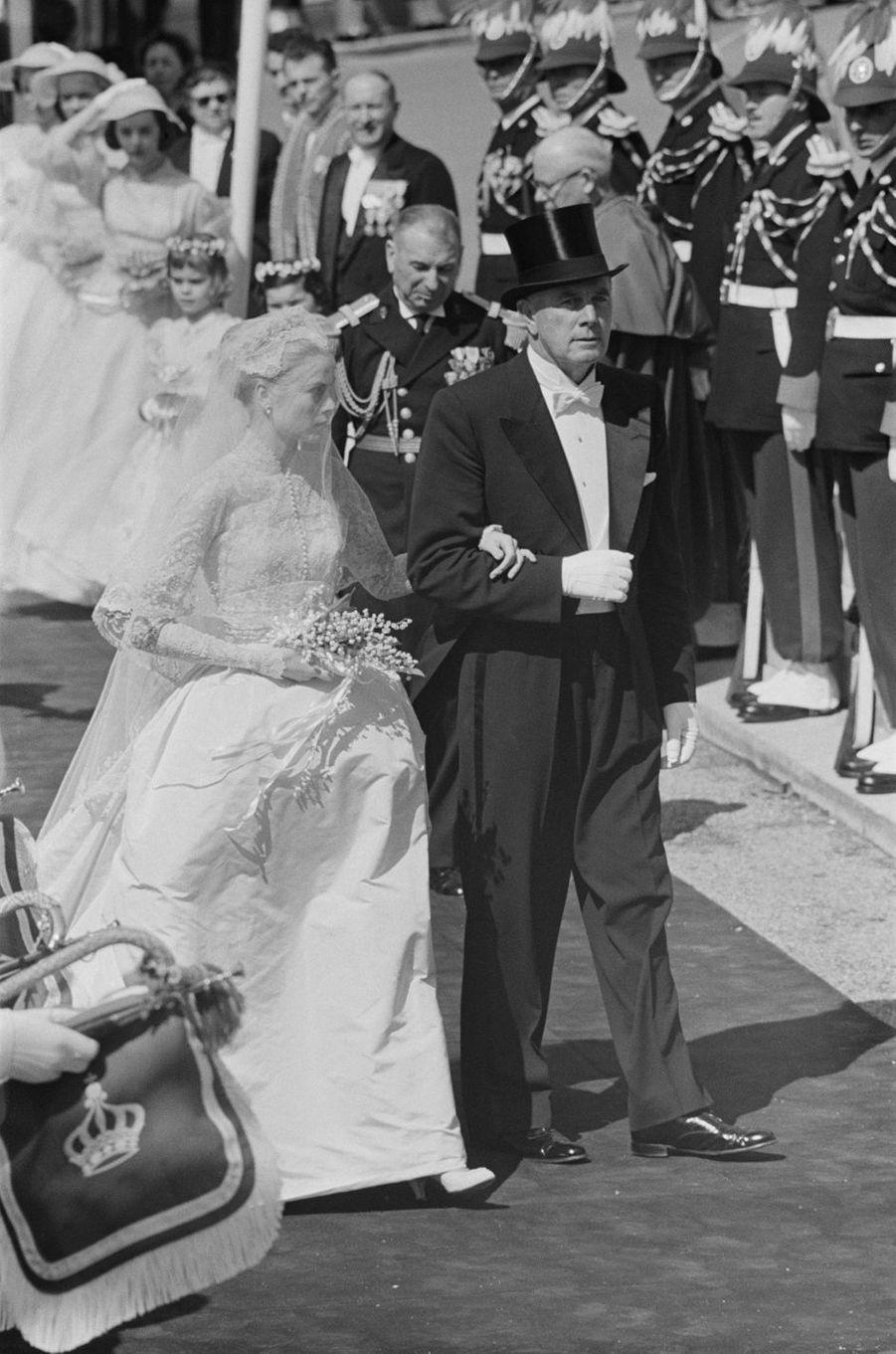 Grace Kelly et son père à Monaco, le jour de son mariage le 19 avril 1956