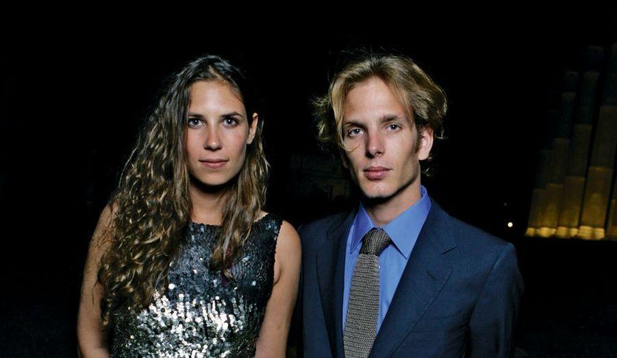 Caroline de Monaco a confirmé le 14 novembre au Royal Blog de Paris Match que son fils Andrea attendait un enfant avec sa fiancée Tatiana Santo Domingo. La date de leur mariage, annoncé en juillet, n'a pas été officialisée.