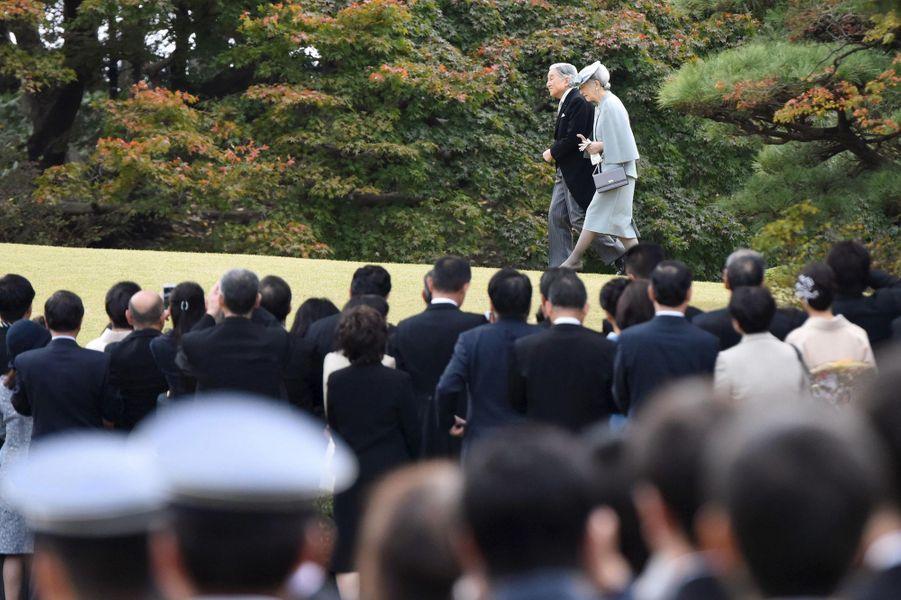 L'empereur Akihito et l'impératrice Michiko du Japon à Tokyo, le 12 novembre 2015