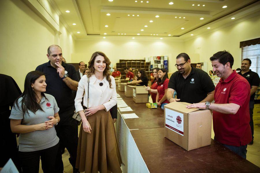 CASA REAL JORDANA - Página 4 La-reine-Rania-de-Jordanie-a-Amman-le-14-juin-2016