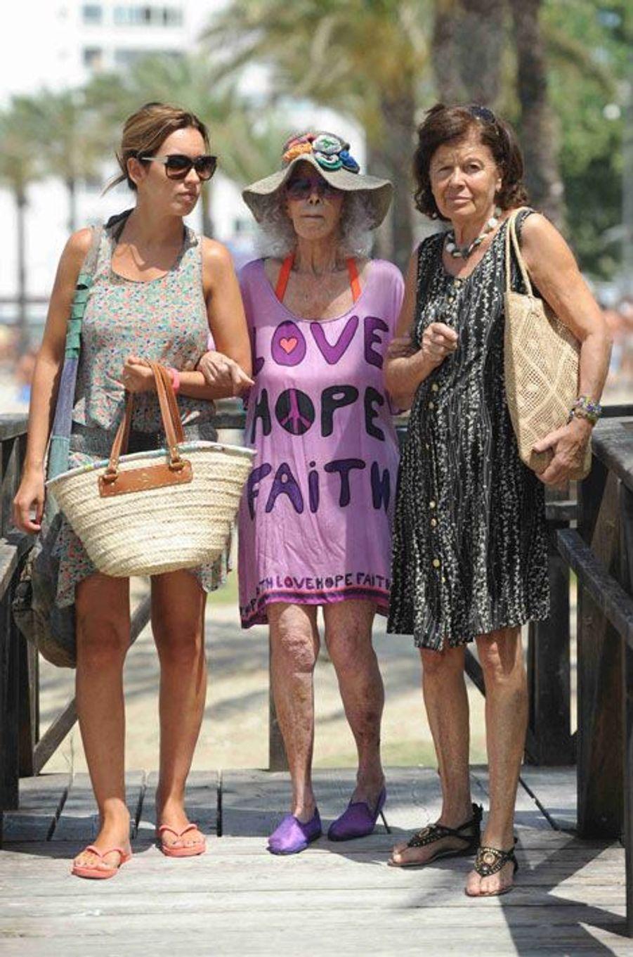 Cayetana passe du bon temps à Ibiza