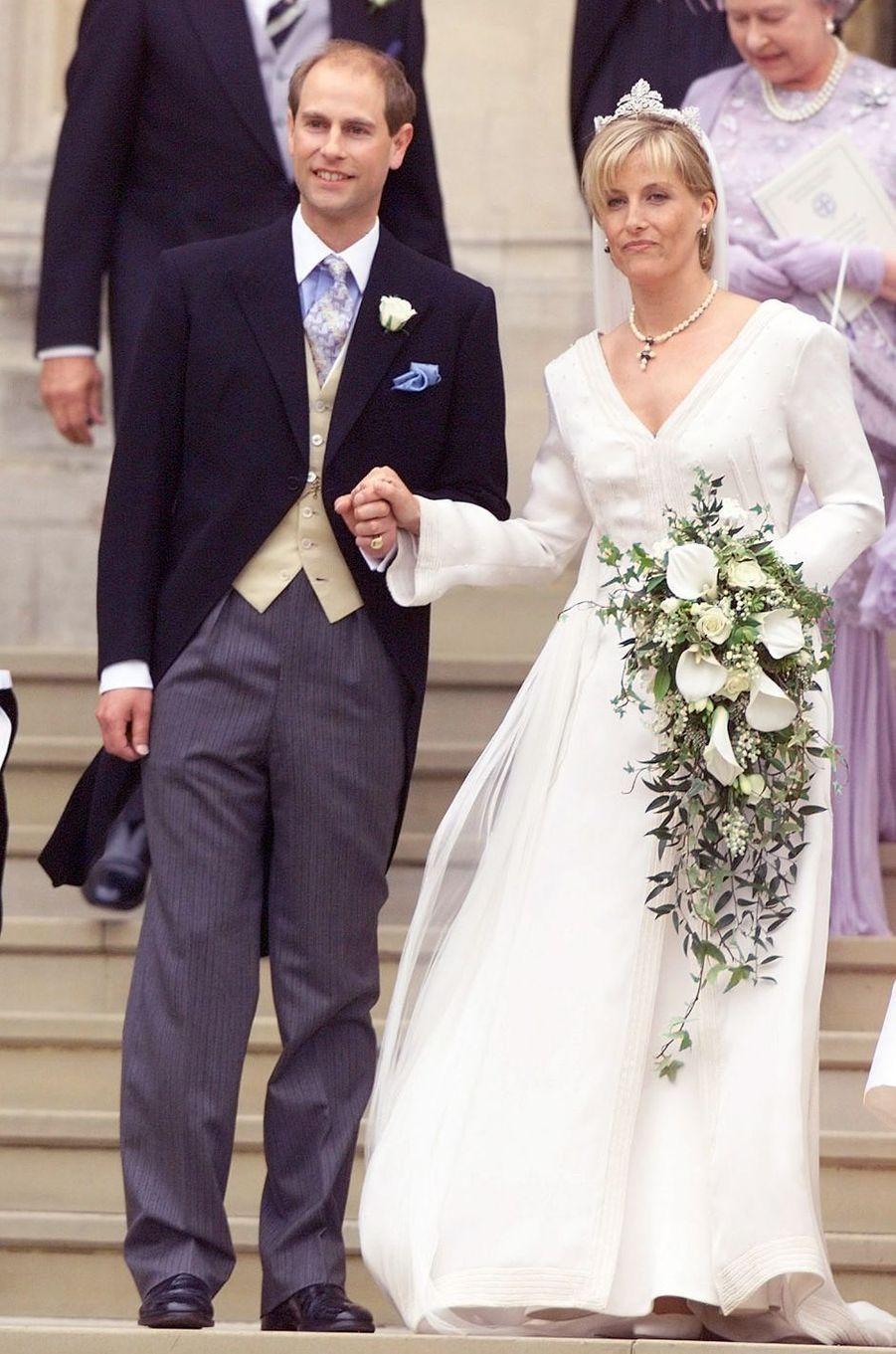 Le prince Edward d'Angleterre épouse Sophie Rhys-Jones à Windsor le 19 juin 1999