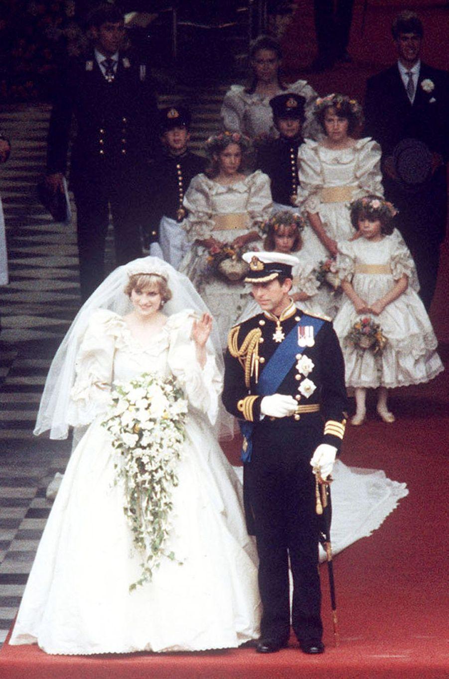 Le prince Charles d'Angleterre épouse Diana Spencer à Londres le 29 juillet 1981