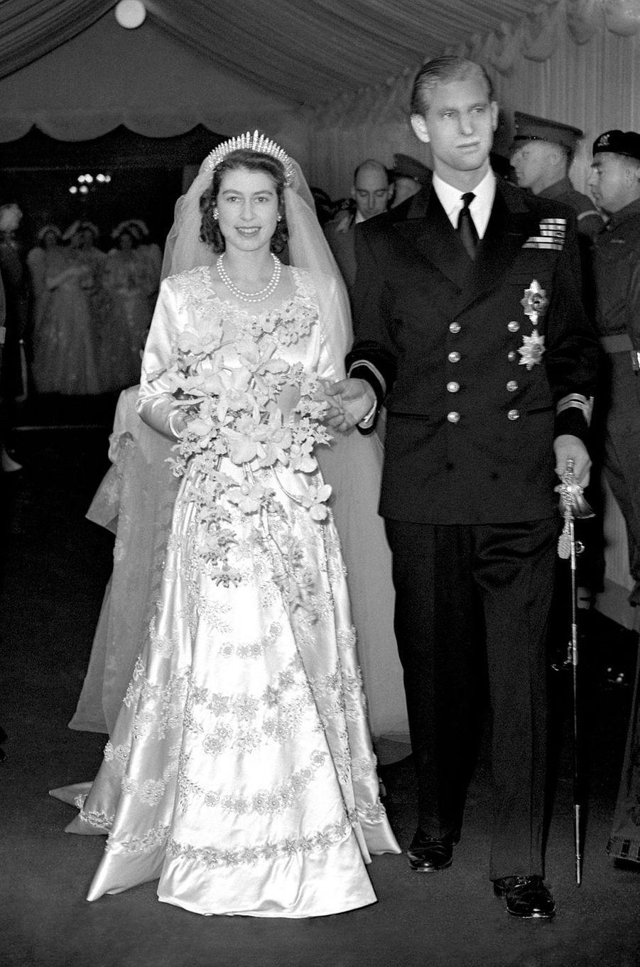 Le prince Philip de Grèce et de Danemark épouse la princesse Elizabeth d'Angleterre à Londres le 20 novembre 1947