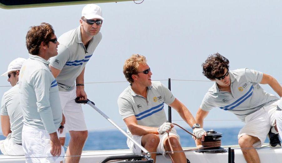 Le roi Felipe d'Espagne et son équipage.