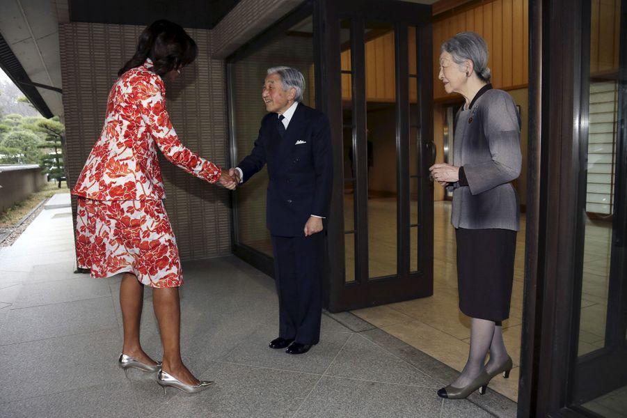 L'impératrice Michiko et l'empereur Akihito avec Michelle Obama à Tokyo, le 19 mars 2015