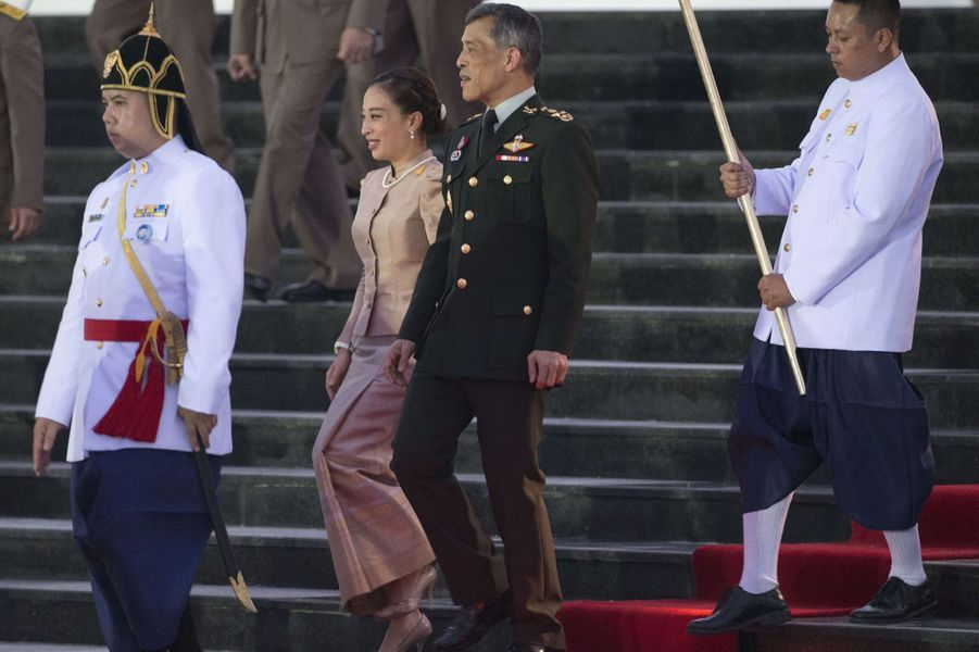 La princesse Bajrakitiyabha et le prince Vajiralongkorn de Thaïlande à Hua Hin, le 26 septembre 2015