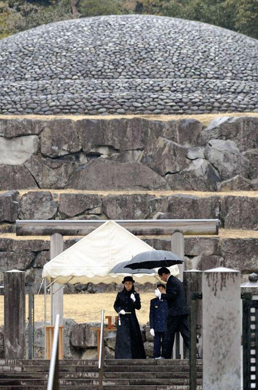 La princesse Kako au cimetière impérial Musashi à Hachioji, le 15 janvier 2015