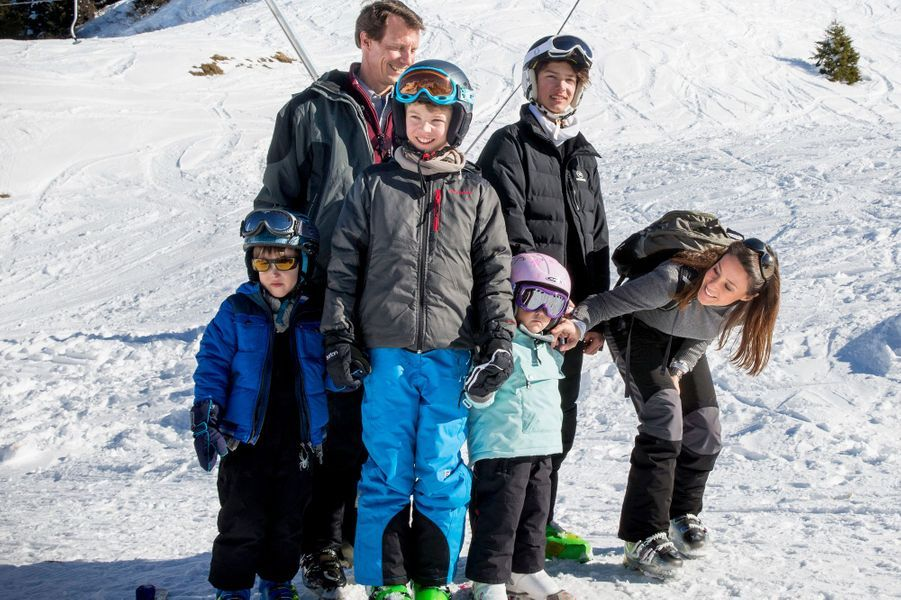Le prince Joachim et la princesse Marie en famille à Villars-sur-Ollon, le 10 février 2015