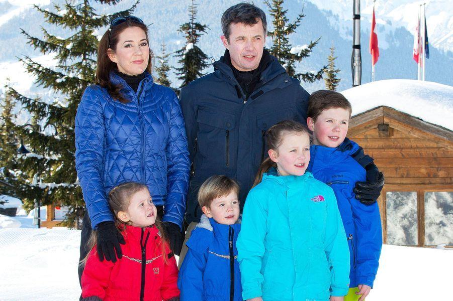 La princesse Mary et le prince Frederik et leurs enfants à Verbier, le 8 février 2015