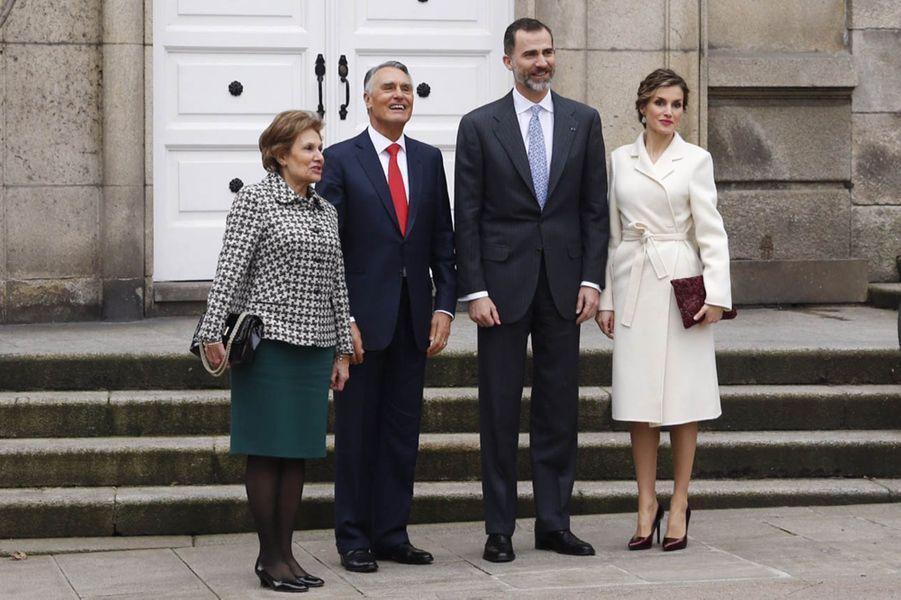 La reine Letizia et le roi Felipe VI, avec Anibal Cavaco Silva et son épouse à La Corogne, le 19 février 2015