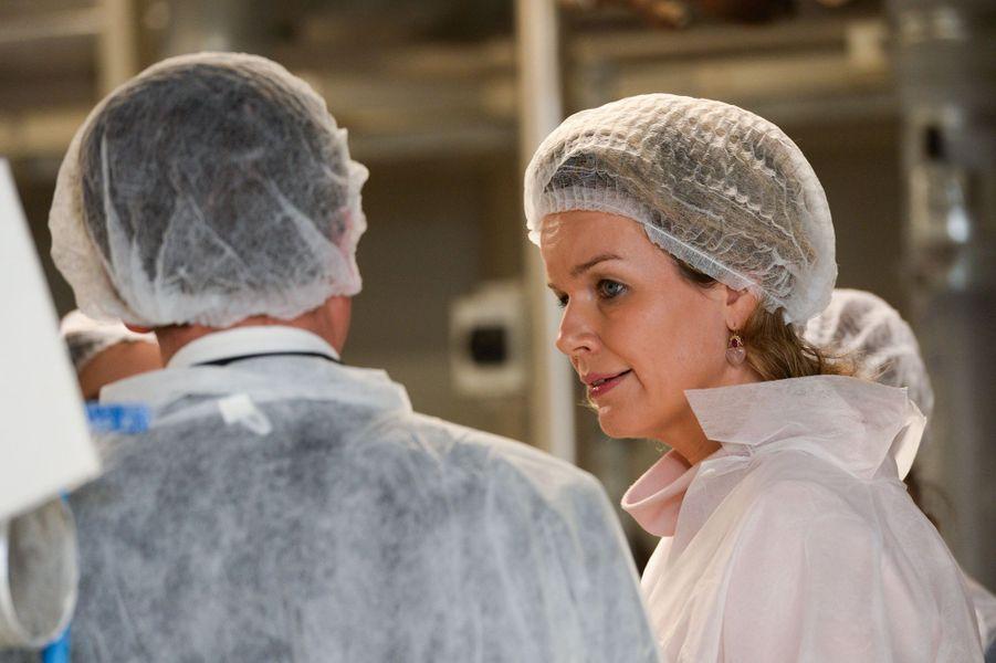 La reine Mathilde de Belgique visite la confiserie-chocolaterie Vanparys à Evere, le 2 décembre
