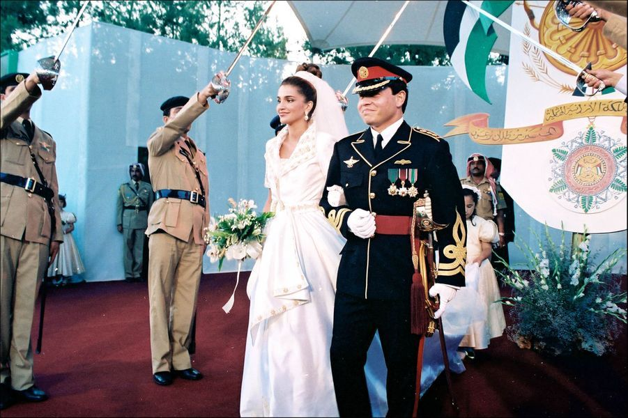 Rania avec le roi Abdallah lors de leur mariage en 1993