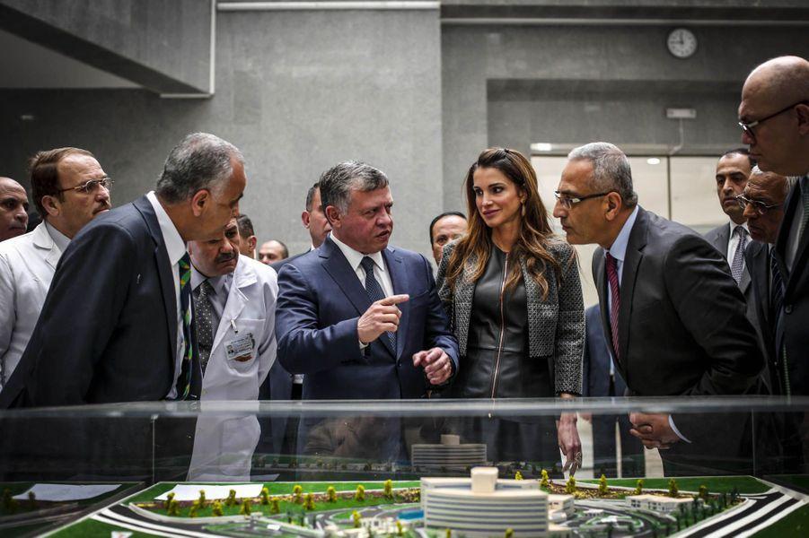 La reine Rania de Jordanie en visite au nouvel hôpital public de Zarka, 28 janvier dernier.