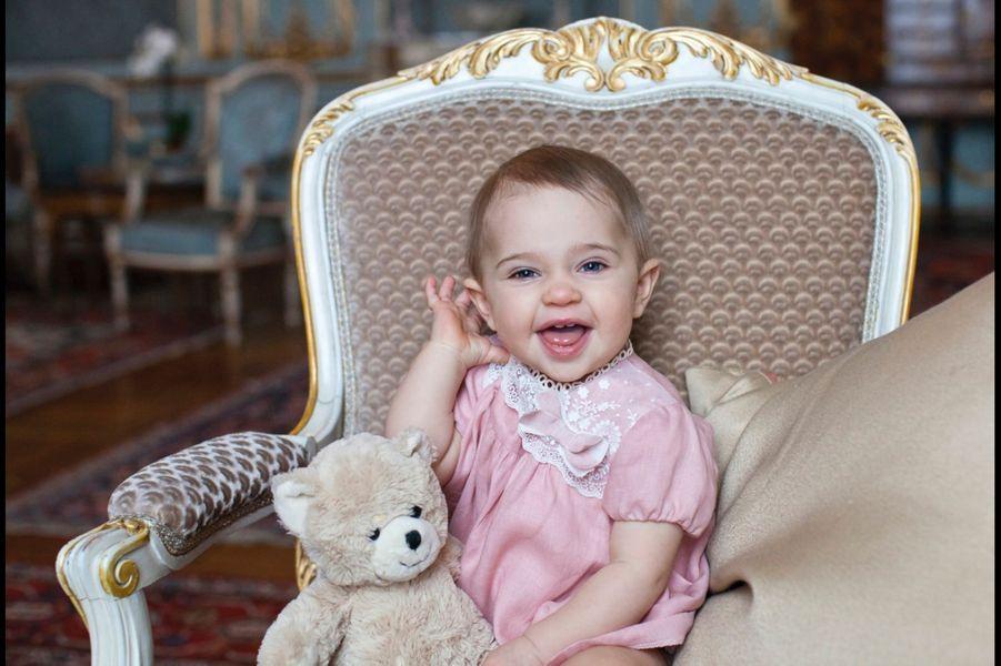Photo officielle de la princesse Leonore de Suède pour son premier anniversaire